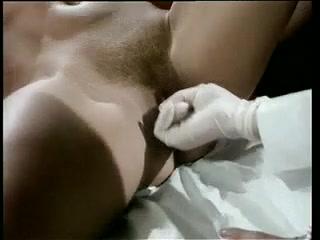 Секс видео молодых девушек на приеме у врача-массажиста в больнице - смотреть
